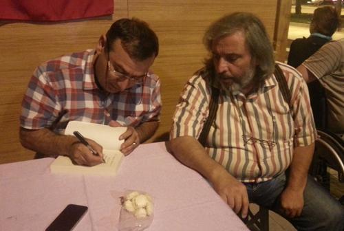 Murat Köylü kitaplarını imzaladı