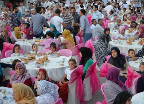 Birlik ve bereket sofrası Bekirpaşa'da kuruldu
