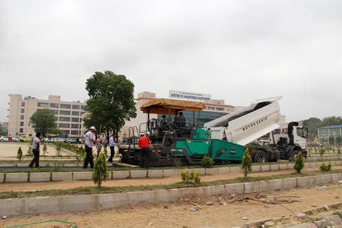 Ambulans yolu asfaltlandı