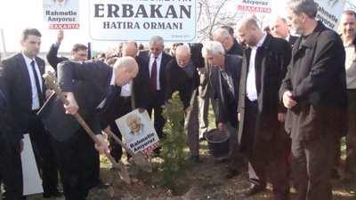 Hendek'te Erbakan adına Hatıra Ormanı