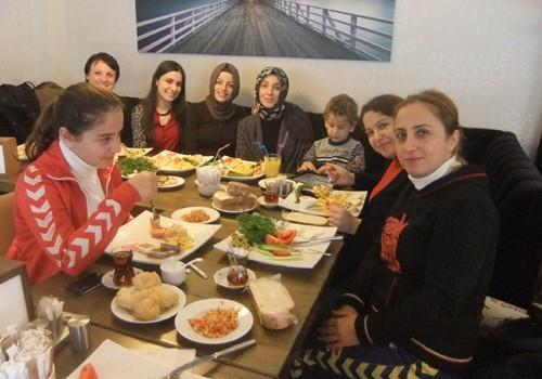 Öğretmenler Gününü kahvaltıyla kutladılar