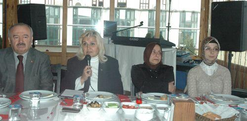 MHP Öğretmenler Gününü kutladı