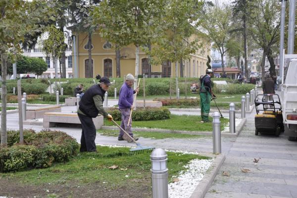 Park bahçeler kışa hazırlanıyor