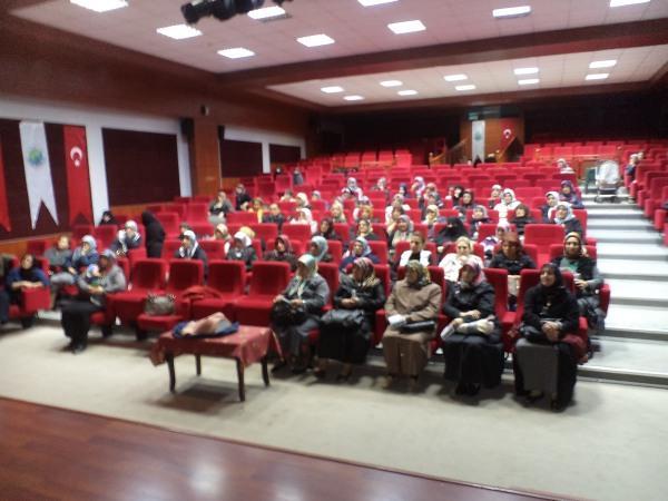 AK kadınlardan kanser semineri