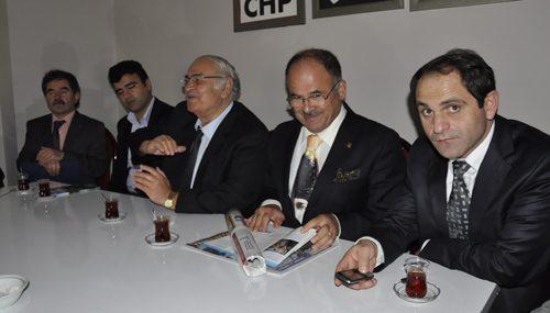 Profesörlerden CHP'ye ziyaret