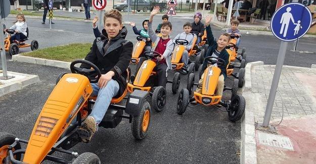 Akyazı Trafik Park'ta mutlu yüzler
