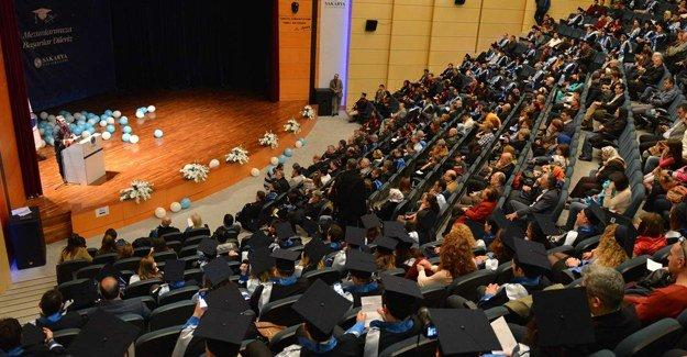 SAÜ'de Lisansüstü Programlar mezuniyet töreni