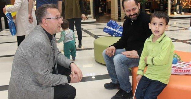 Serdivan AVM'de Çocuk Hakları Standı açıldı