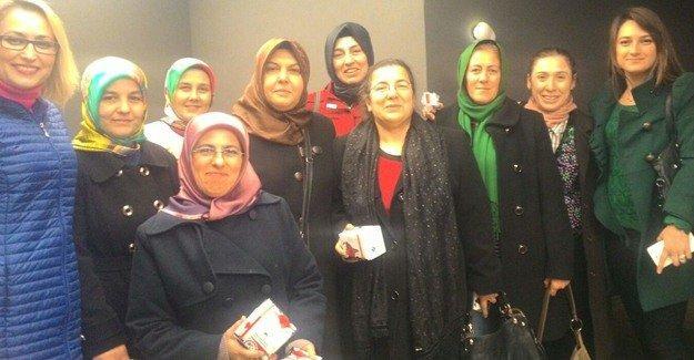 Ak kadınlardan Mevlid Kandili programı