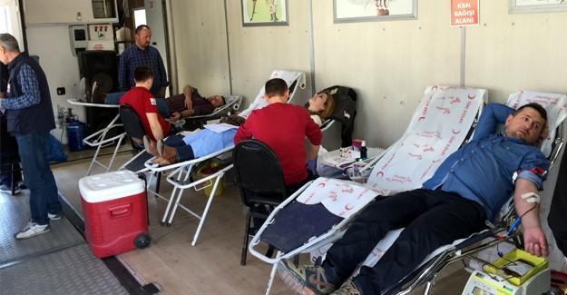 Diriliş başkanları kan bağışında bulundu