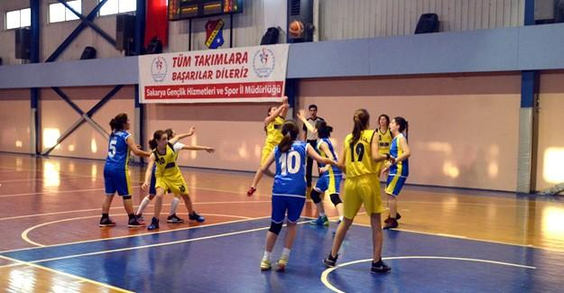 Küçük Kızlar Basketbolda final heyecanı yaşandı