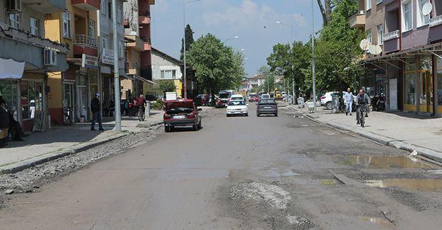 Dönüşüm Ünal Ozan Caddesi'yle başladı