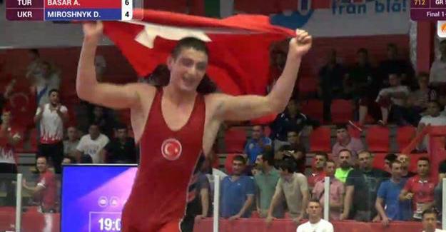 Abdülsamet Başar Avrupa Şampiyonu oldu
