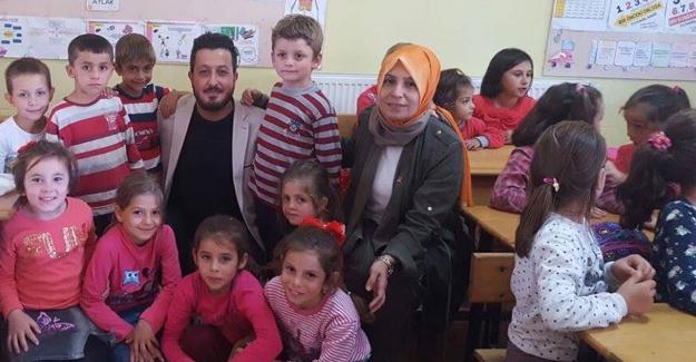AK gençlerden köy okuluna yardım eli