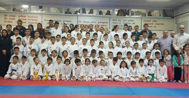 Hendek Belediyesi karate takımı terfi etti