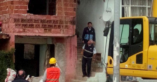 Kaçak yapı yıkımında gerginlik yaşandı
