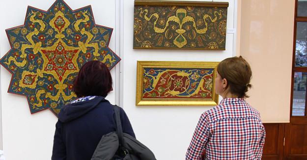 Galeri'de saray sanatları sergileniyor