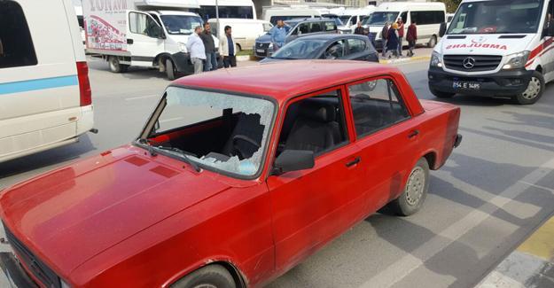Otomobilin çarptığı kadın ağır yaralandı