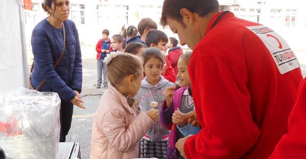 Şehit Ahmet Akyol'da Kızılay etkinliği