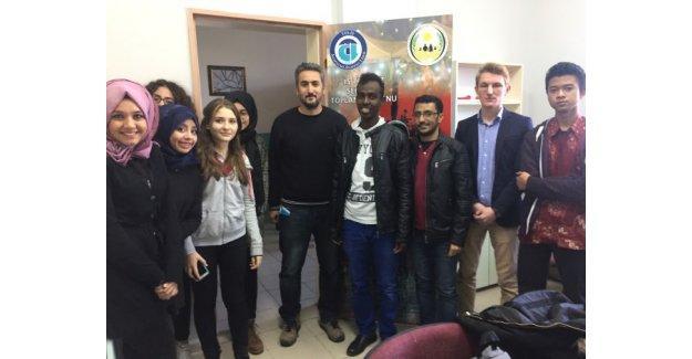 Uluslararası öğrenciler Tes-İş Anadolu Lisesi'nde