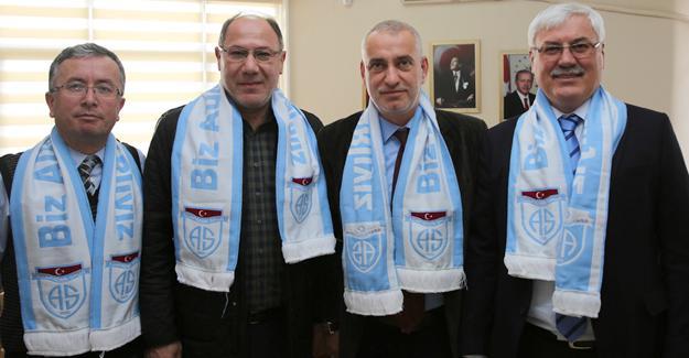 Adapazarıspor'dan Başkan'a ziyaret