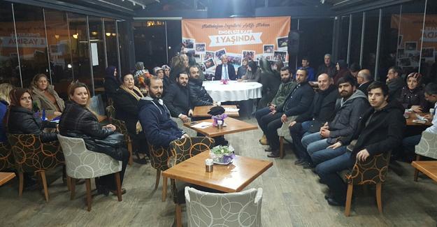AK Partili birim başkanları Engelsiz Kafe'de toplandı