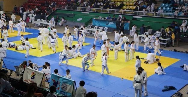 Judocular şehitleri unutmadı