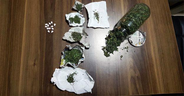 Yabancı uyruklu şahıslar uyuşturucu ile yakalandı