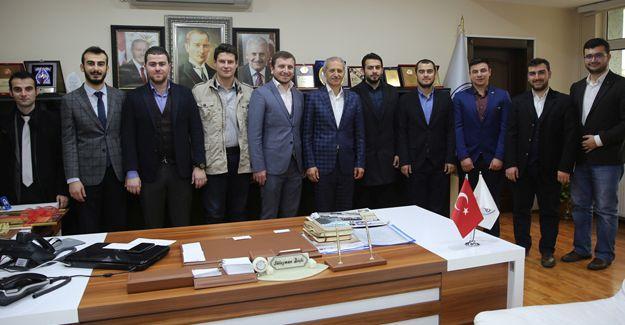 AK Partili gençlerden Başkan Dişli'ye ziyaret