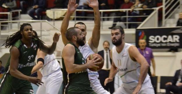 Dev Adamlar İzmir'de mağlup