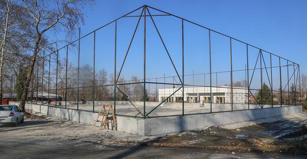 Sosyal tesis binası inşaatı sürüyor