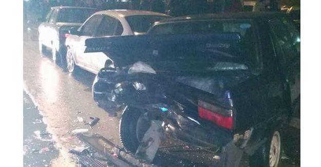 Üç aracın karıştığı zincirleme kaza ucuz atlatıldı