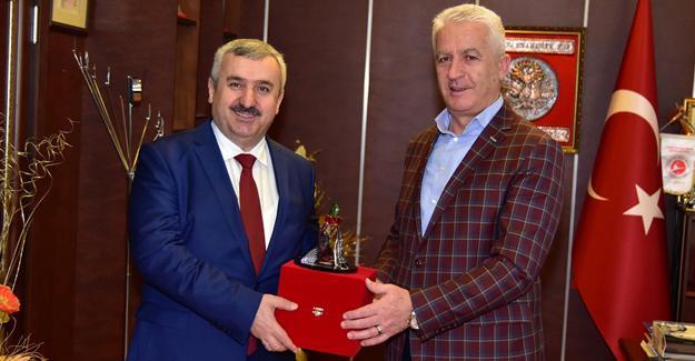 Körfez Belediye Başkanı Baran'dan İspiroğlu'na ziyaret