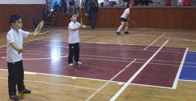 Badmintonda ödüller verildi