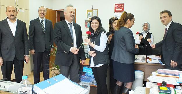 Öğütlü personelin Kadınlar Gününü kutladı