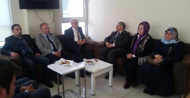 Başkan Ak'tan MHP'ye hayırlı olsun ziyareti