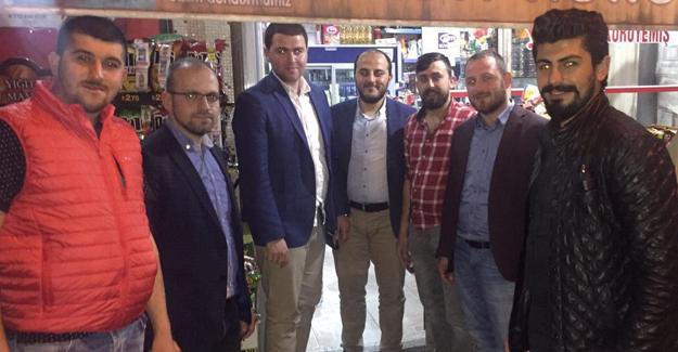 AK Gençlik Geyve'de 'Çat Kapı' ziyaretler yaptı
