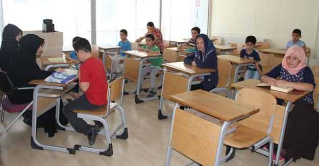 Akyazı Bilgievi'nde yaz Kur'an kursları başlıyor
