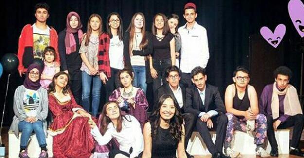 Cemil Meriç'ten tiyatro gösterisi