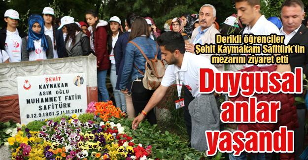 Derikli öğrenciler Şehit Kaymakam Safitürk'ün mezarını ziyaret etti