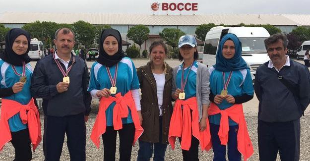 Pamukova Hürriyet Anadolu Lisesi Türkiye Şampiyonluğuna koşuyor