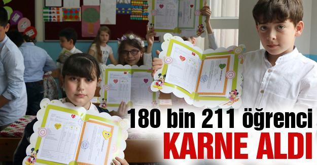 180 bin 211 öğrenci karne aldı