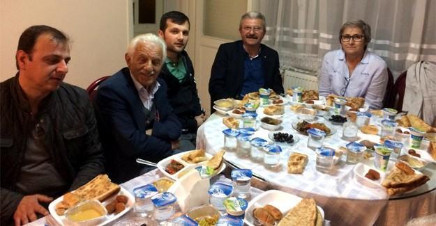 CHP Sakarya, Arifiye iftarında bir araya geldi