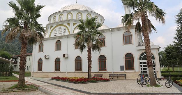 Kırkpınar Merkez Camii çevre düzenlemesi tamamlandı
