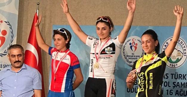 Pedallar şampiyon döndü