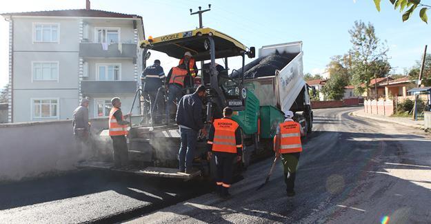 Arifiye'ye 2 bin 800 ton sıcak asfalt