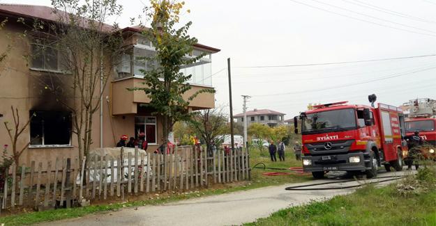 Ev yangını paniğe neden oldu