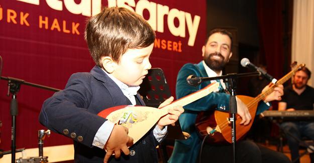 OKM'de Türk Halk Müziği esintisi
