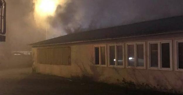 Prefabrik yangını paniğe neden oldu