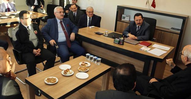Vali Balkanlıoğlu muhtarlar ve vatandaşlarla buluştu